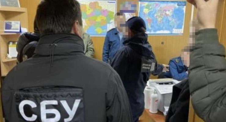 Чиновников одесской таможни поймали на взятке
