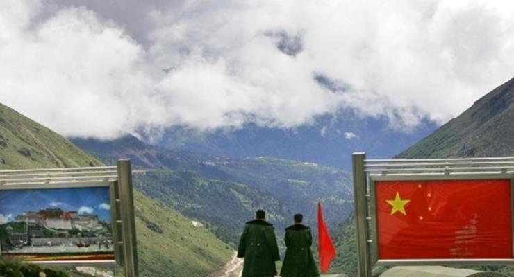 Китай и Индия разводят войска возле границы