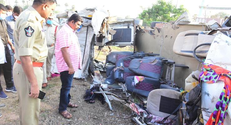 В Индии 14 человек погибли в ДТП