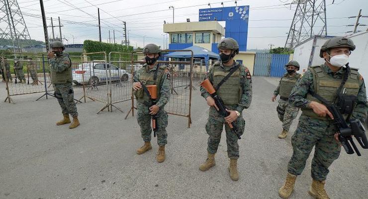В Эквадоре 67 человек погибли в тюремных бунтах