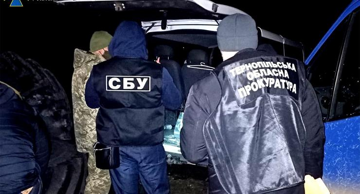 На Тернопольщине налоговик требовал миллион взятки