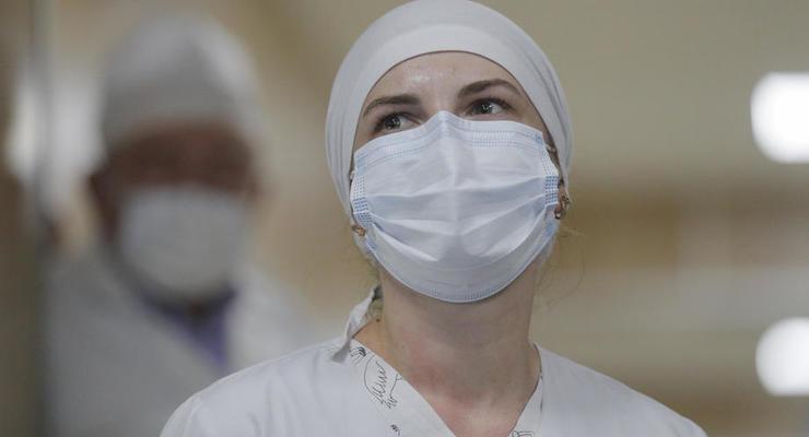 В Харьковской мэрии объяснили, почему ещё не вакцинируют врачей
