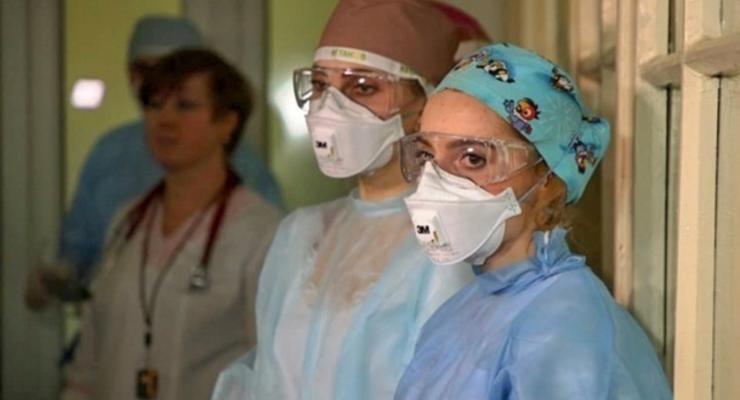 За год в Украине 73 тысячи медиков потеряли работу