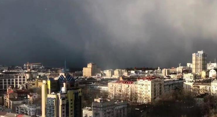 Снежная буря в Киеве: опубликовано зрелищное видео