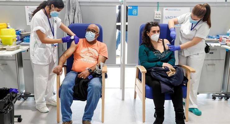 В Испании вновь начали вакцинировать препаратом AstraZeneca