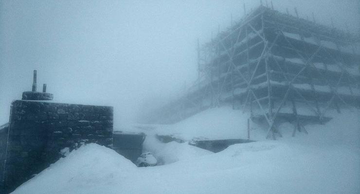 В Карпатах ночью выпало 15 сантиметров снега, мороз