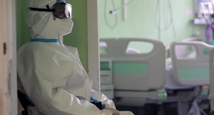 В Украине вновь новый антирекорд смертности от COVID