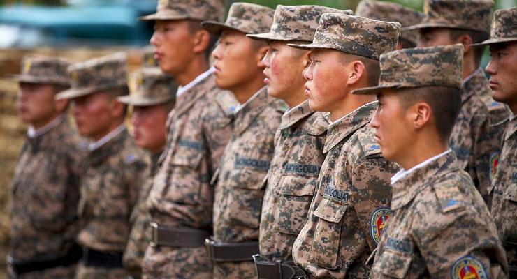 В Монголии два солдата-срочника застрелили начальника караула