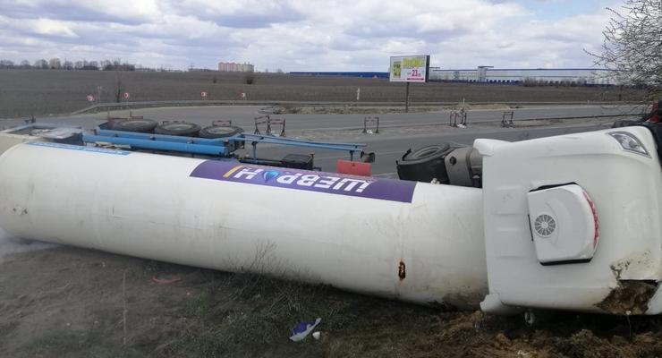 На Киевщине перевернулась цистерна с жидким кислородом