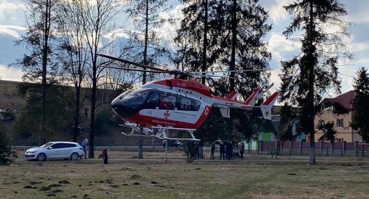 В Украине пациентку впервые доставили в больницу на вертолете