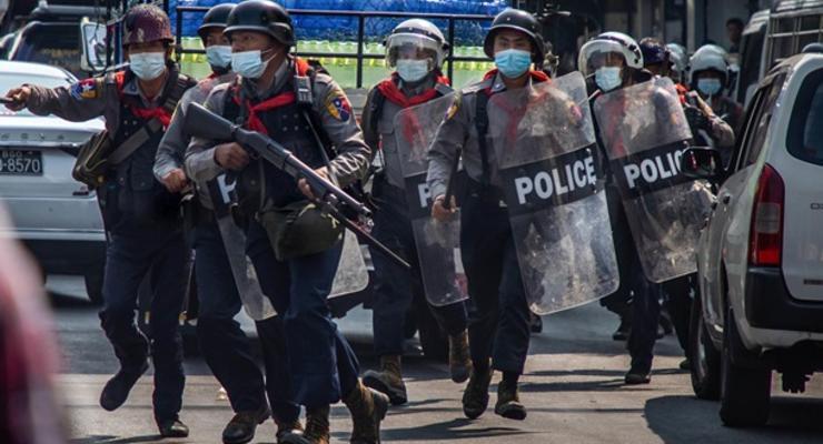 В Мьянме атаковали полицейский участок: 10 жертв