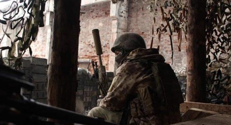 В результате обстрела на Донбассе погиб военный