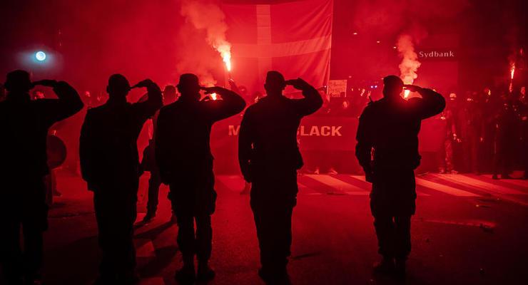 """Жители Дании протестуют против """"паспортов вакцинации"""""""