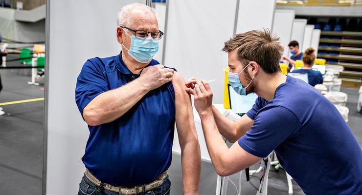 Компания Johnson & Johnson отправила в Европу первые партии COVID-вакцины