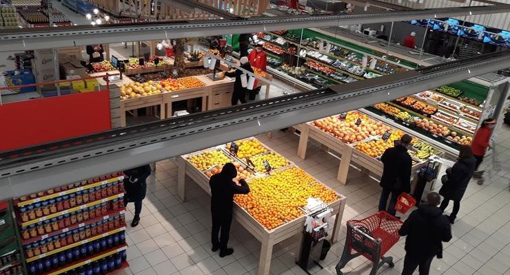 В Украине дешевеют яйца, масло, хлеб и картофель