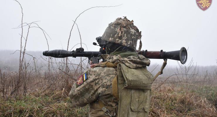 Обстановка на Донбассе: Один военный погиб, двое ранены