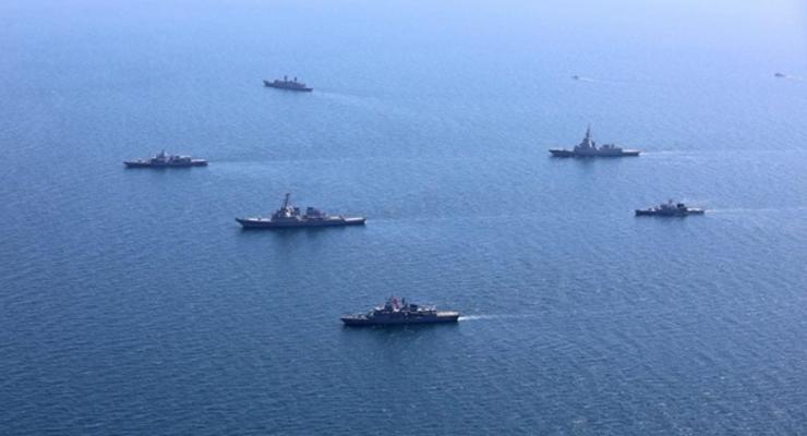 """В РФ советуют США """"держаться подальше от Крыма"""""""