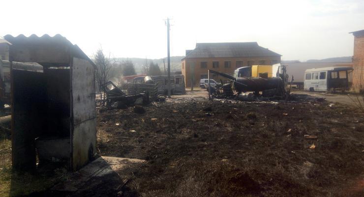 На Львовщине при сжигании сухостоя сгорели три автобуса