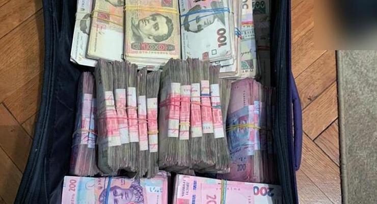 Киевлянка украла 1,2 млн грн у фирмы, в которой раньше работала