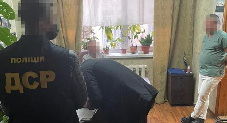 В Киеве врачи вымогали деньги за выдачу тел умерших от COVID
