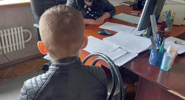 В Харькове ребенок сорвал онлайн-уроки и попал в полицию