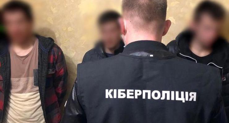 """Полиция задержала мошенников, работавших по схеме """"друг просит в долг"""""""