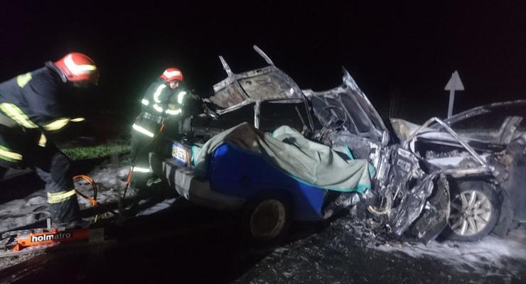Под Кропивницким из-за ДТП в авто сгорела семья