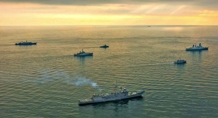 НАТО призывает РФ прекратить эскалацию на Азове