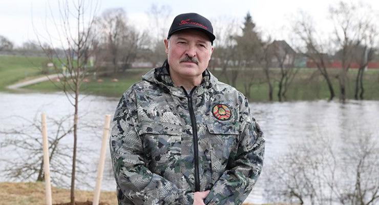 Лукашенко отказался вакцинироваться от коронавируса