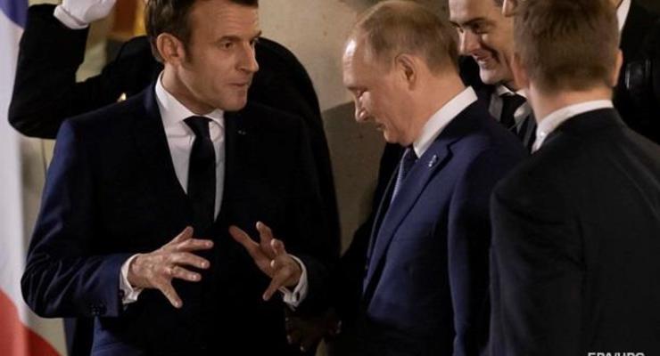Макрон планирует провести переговоры с Путиным