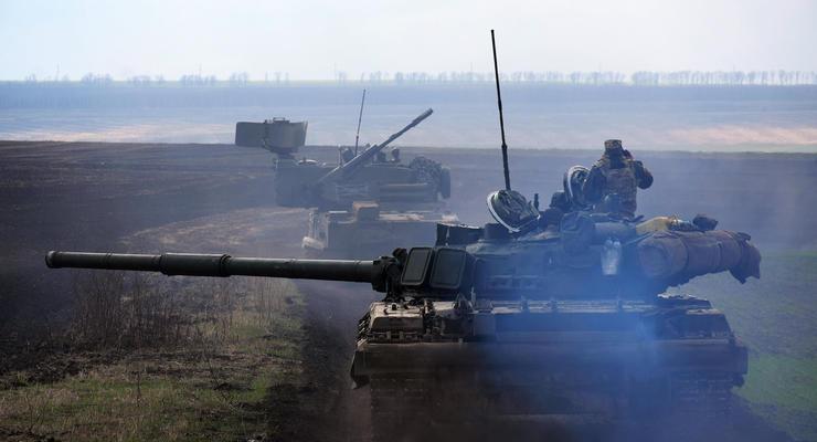 В зоне ООС танкисты провели учения по наступательному бою
