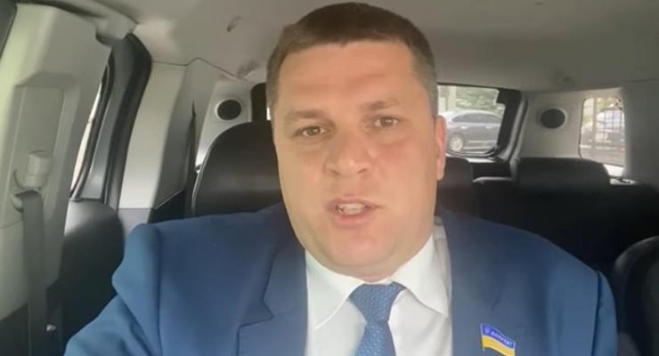 """""""Услышал три-четыре хлопка"""": депутат от ОПЗЖ заявил об обстреле его машины"""