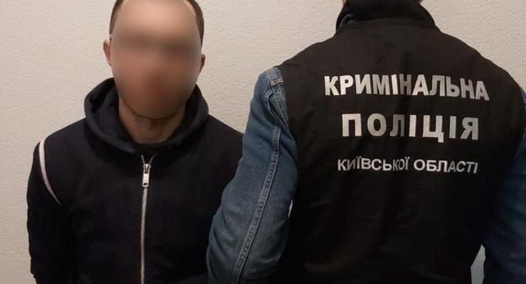 Приревновал девушку: полиция установила поджигателя авто под Киевом