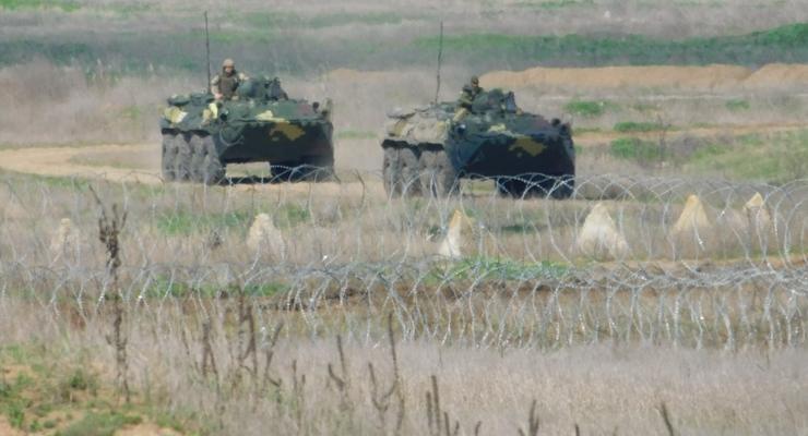 Украинские десантники провели зрелищные учения на юге