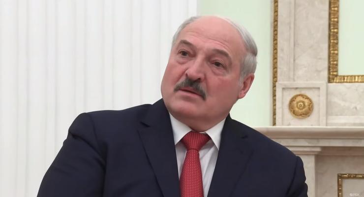 """Лукашенко посоветовал Зеленскому """"научиться вести себя дипломатично"""""""