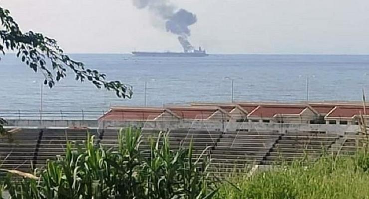 В сирийском порту беспилотник атаковал танкер - СМИ