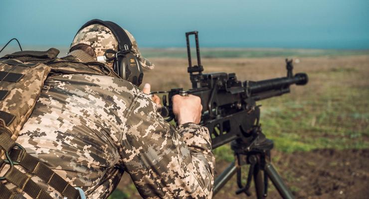 Ситуация в ООС: Боевики стреляли 13 раз и ранили военного