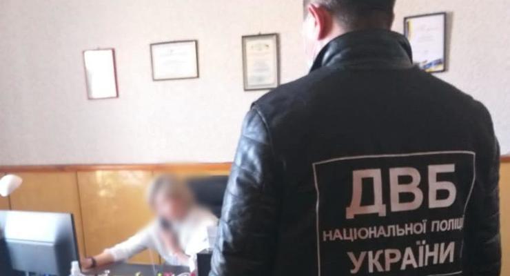 На Николаевщине следователь вымогала взятку за закрытие дела