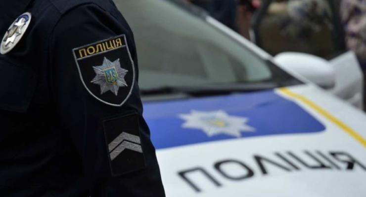 В Киеве пенсионерка увела с детской площадки чужую девочку