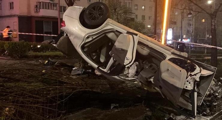 В Киеве из-за пьяного на Infiniti погибла 18-летняя девушка