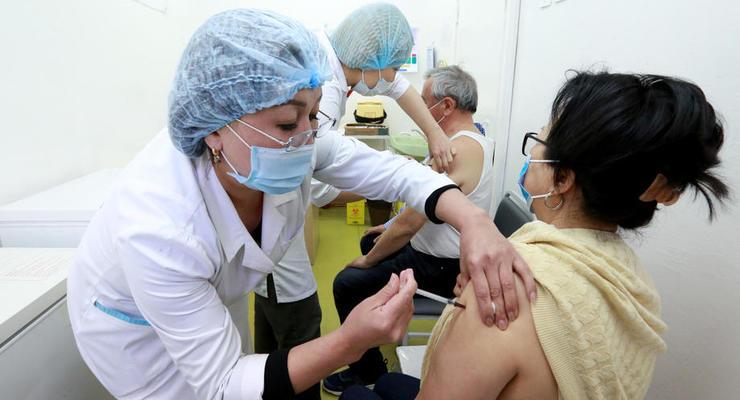 Украинцы стали лучше относиться к COVID-вакцине