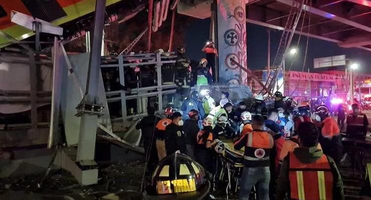 В Мексике под поездом провалился мост, 15 жертв