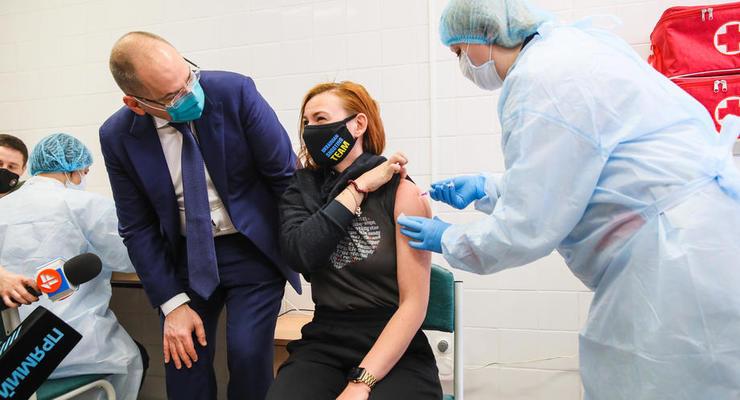 Украина преодолеет эпидемию в 2023 году, - ученые