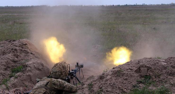 Оккупанты стреляли на Донбассе 19 раз и ранили 2 военных