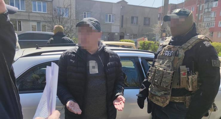 СБУ за взятки задержала инспектора Одесской таможни