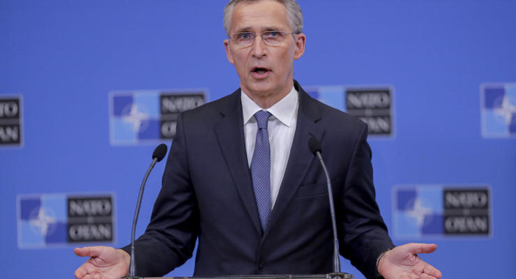 Стягивание войск РФ к Украине: В НАТО призвали быть начеку
