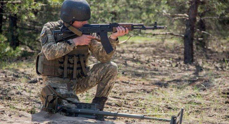 Сутки на Донбассе: Боевики применили тяжелую артиллерию