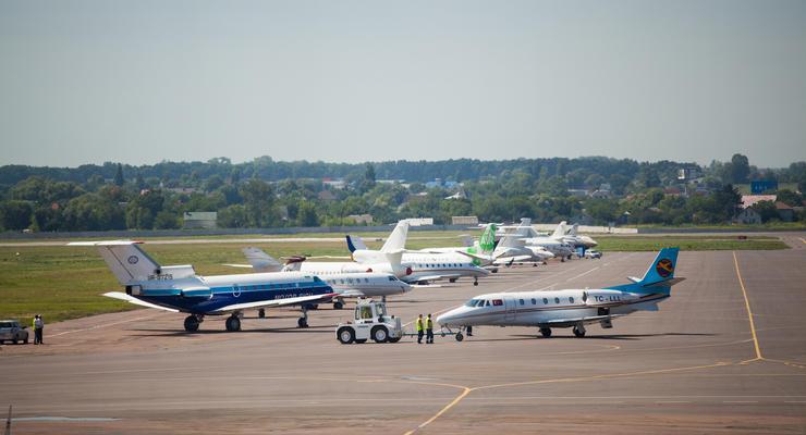 """Аэропорт """"Жуляны"""" закроют почти на год: Будут продлевать полосу"""