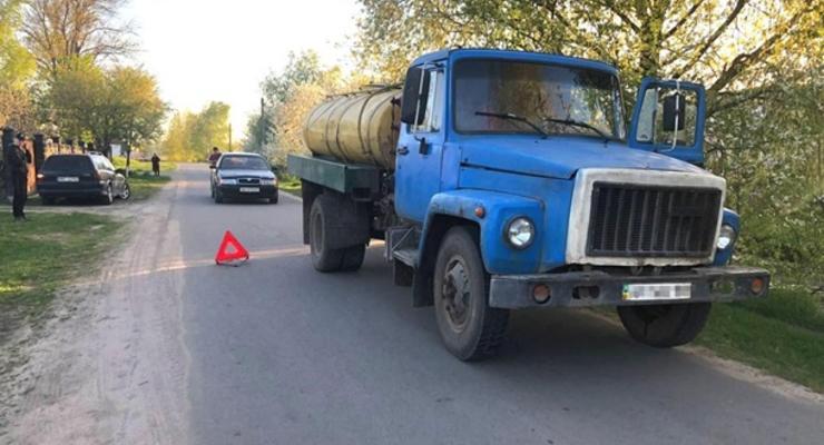 В Ровенской области ребенок погиб под колесами грузовика
