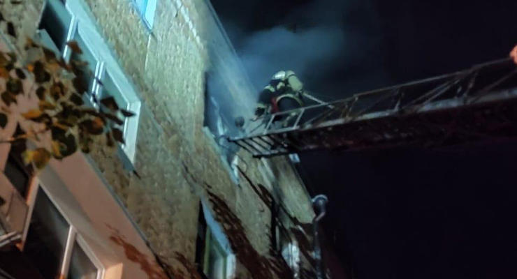 В Николаеве ночью произошел пожар в пятиэтажном доме